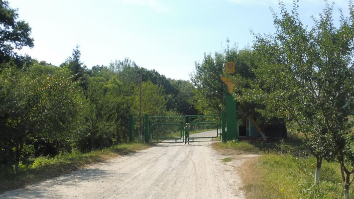 Das Tor wird für uns geöffnet