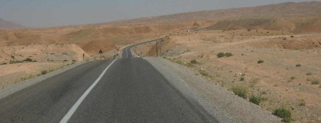 Interessante Gesteinsformationen auf der Strecke nach El Haj