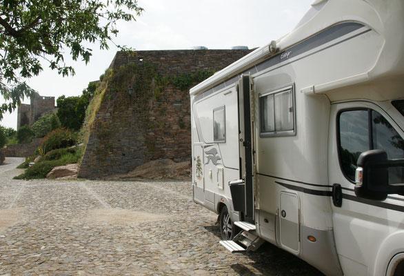 Die Stadtmauer von Monsaraz