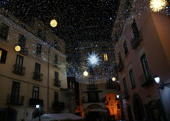 Die Gassen in der Altstadt leuchten