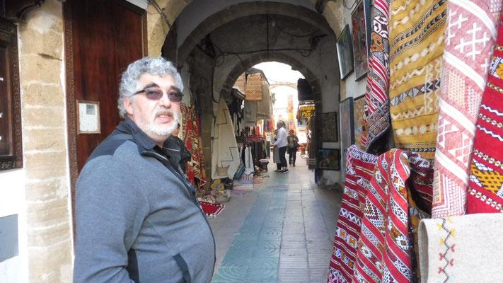 Rein in den Souk von Essaouira