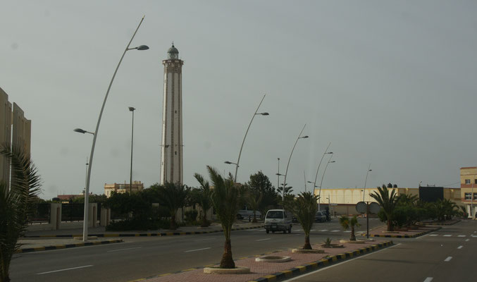 Der Leuchtturm von Boujdour, der nicht an der Küste steht.