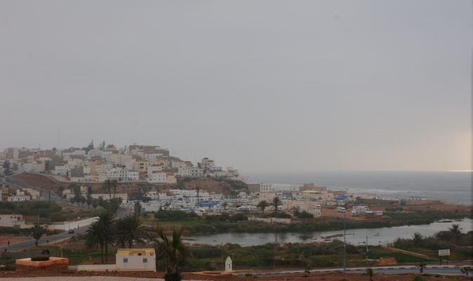 Blick auf Sidi Ifni mit den Campingplätzen