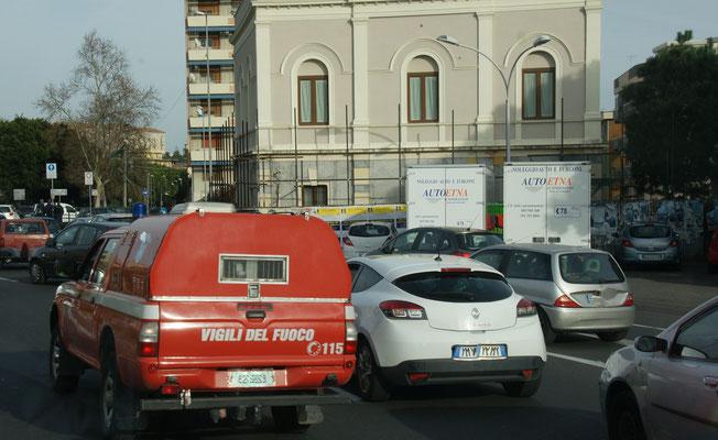 Stau,stau, stau und danach schmale Strässchen in Catania