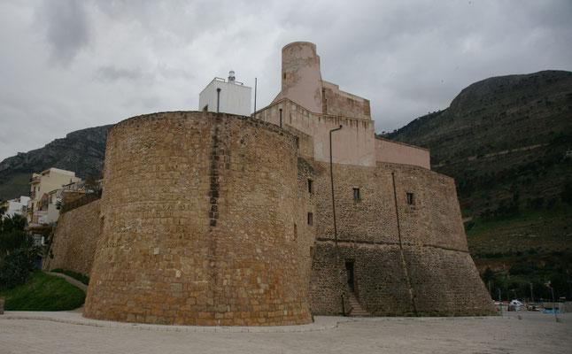 Das Castel von Nahem