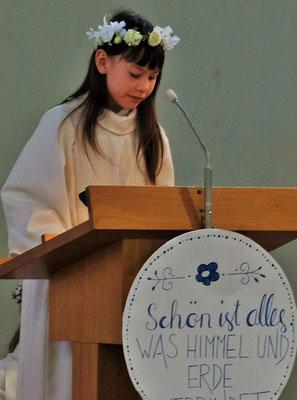 Hanna's erster grosser Auftritt in der Kirche. Sie hat ihn ausgezeichnet gemeistert.