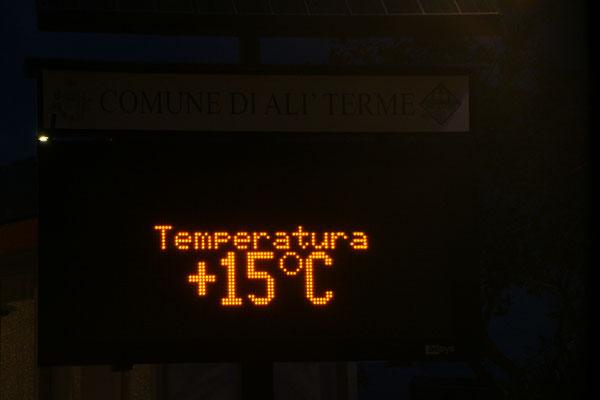 Um 18.00 Uhr ist es zwar bereits Nacht, aber immer noch 15 Grad warm.