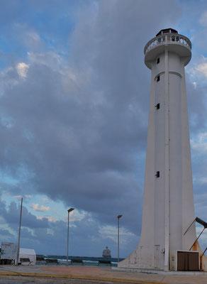 Wir stehnn die erste Nacht beim Leuchtturm in Majahual
