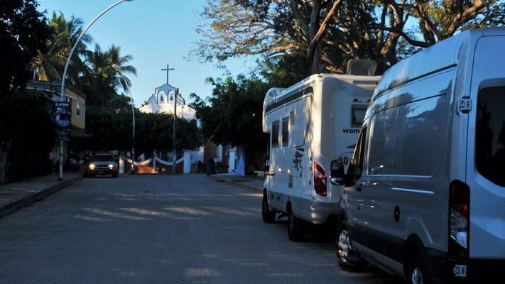 Wir stehen in La Manzanilla und schnell nicht mehr alleine