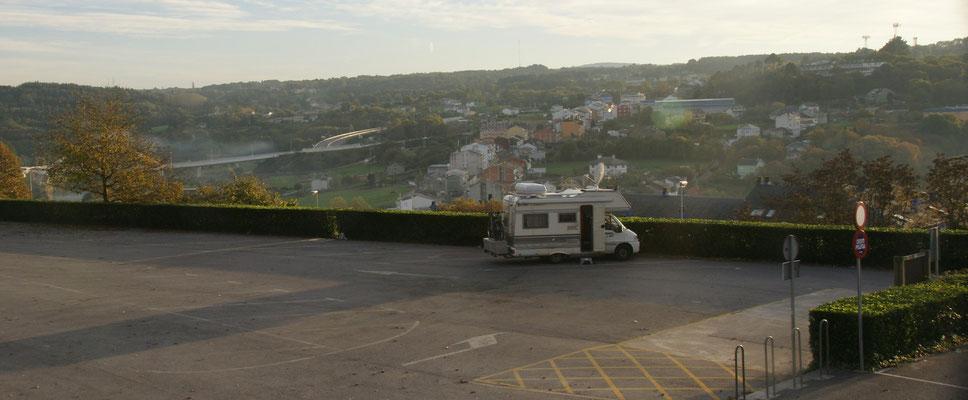 In Lugo haben wir den ganzen Stellplatz mit bester Aussicht....