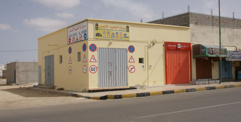 Auch hier in Boujdour gibt es Fahrschulen