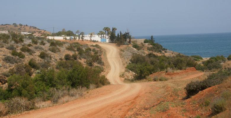 """Alois fährt weiter über die Piste zum Camping """" Amis de la Cala Iris"""""""