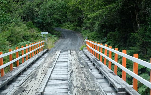 ...und kurze Brücken gilt es zu überwinden