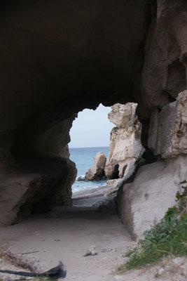 Blick durch den Felsen durch