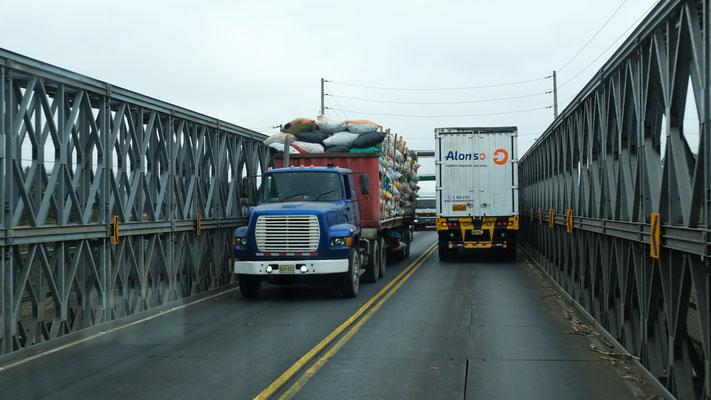 Wieder viel Lastwagenverkehr auf der Panamericana