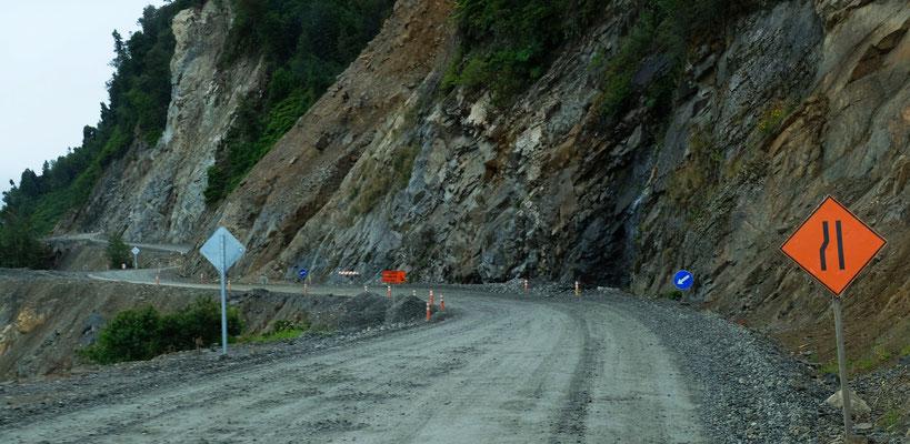 Auch ein Stück der Ruta 7 entlang des Sees ist bedenklich.....