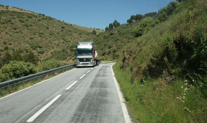 Es wird auch hin und da sehr eng auf der Strasse nach Castelo Rodrigo