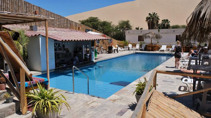 Unser Pool auf dem Gelände des Ecocamps in Huascachina