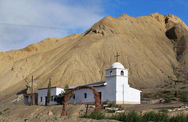 Vorbei an kleinen Pueblos mit