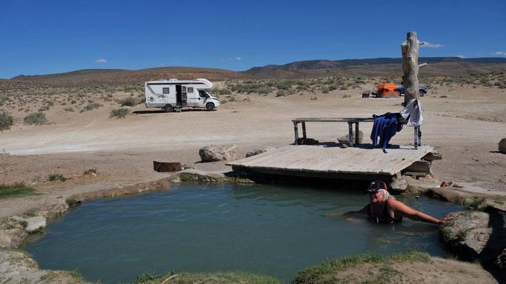 Aber die Abweichung vom geraden Wege lohnt sich alleweil. Hotsprings in der Wüste Nevadas