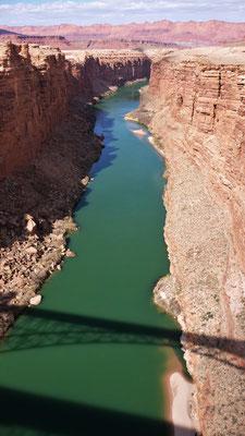 ...über die Navajo Brücke.....