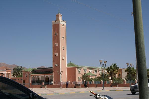 Die grosse moderne Moschee in der Neustadt