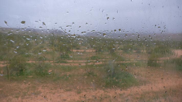 ... und der Regen bringt es an den Tag, Die Fenster sind jetzt undicht.