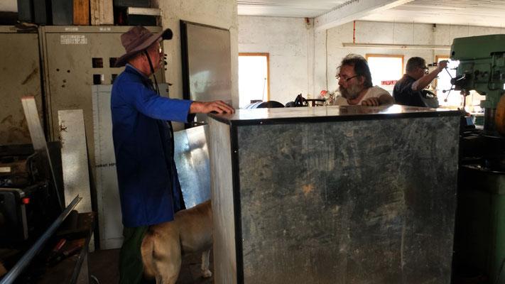 Bei Marcel in seiner topausgerüsteten Werkstatt