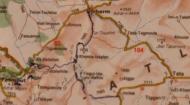 Paul hat die neuen, sehr guten Strassen auf unserer Karte eingezeichnet.