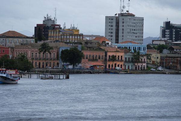 Vorne nochmals die Häuser im Kolonialstil