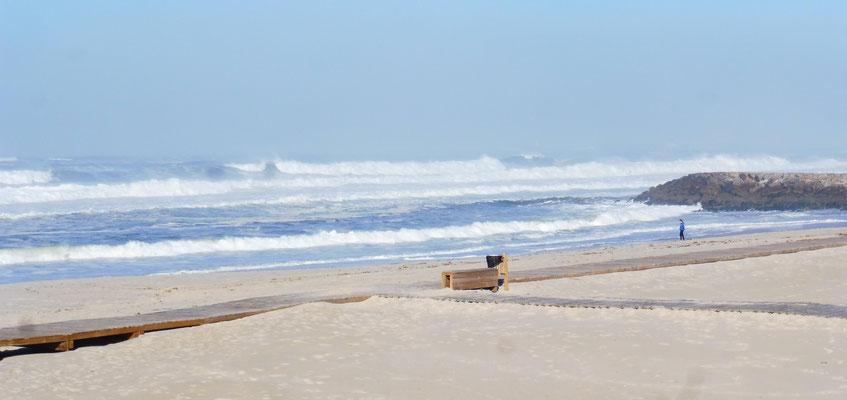 Auf der anderen Seite der Landzunge  von Costa Nova geht es hochher