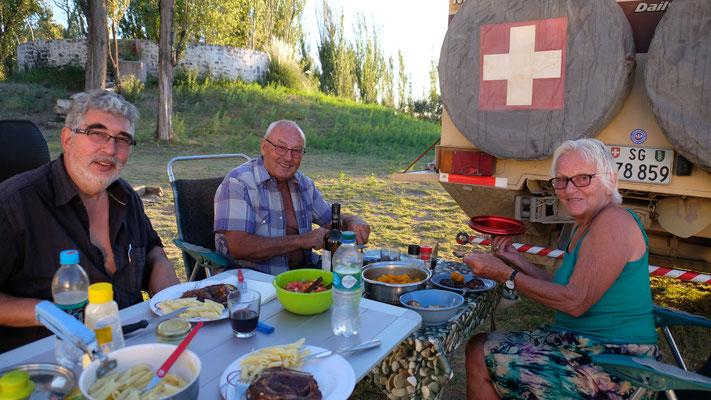 Gemeinsamer Grillabend mit interessanten Reiseerlebnissen von Dorli und Wolfgang