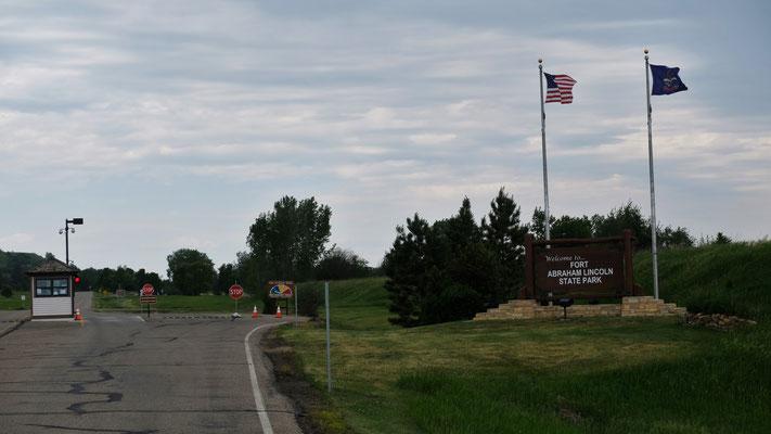 Wir sind am Eingang zum Fort Abraham Lincoln State Park und werden herzlich begrüsst
