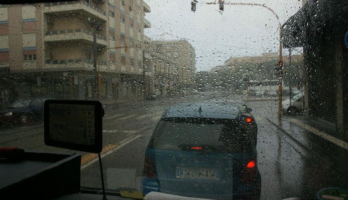 In Messina geht noch ein kurzer Regenschauer runter