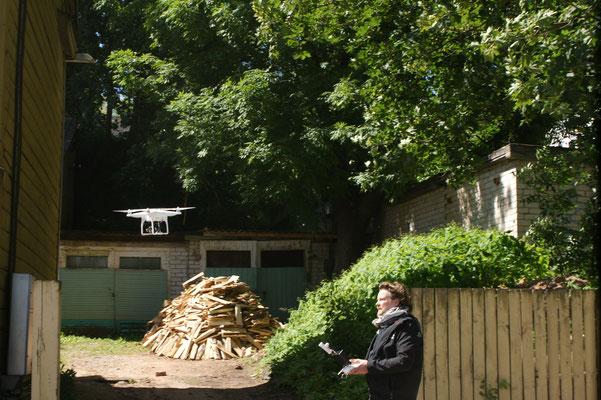Eine Drohne wird vorgeführt