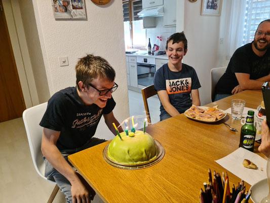 Unser ältester Enkel Daniel feiert seinen 16. Geburtstag