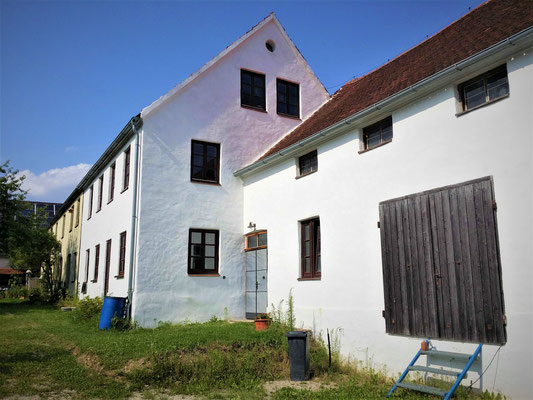 frisch restaurierte Fassade