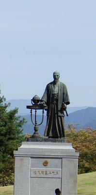 川中島古戦場跡に佐久間象山像が・・・・・?