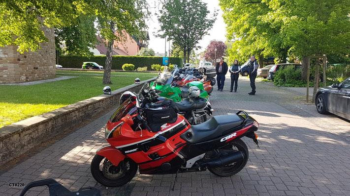 Vor der 4. Vortour mit den Tour-Guides - Pressetermin mit der Rheinpfalz