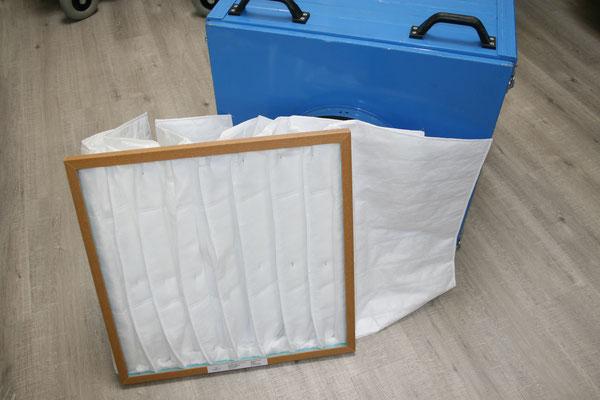 Taschenfilter für Filterbox zu Absauganlagen 3500m3, 7300m3 und 10'000m3, wahlweise in F7 oder F9 Qualität