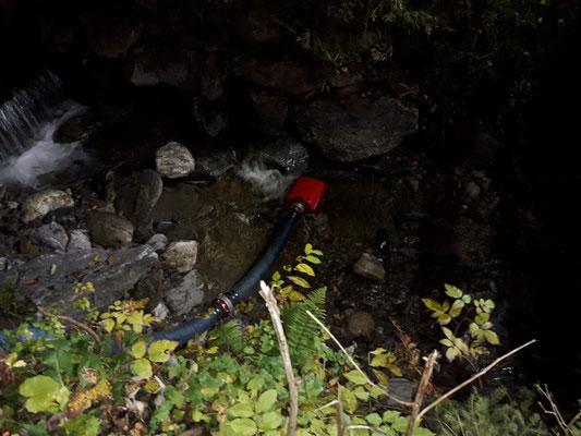Der Tobitscher-Bach führte ausreichend Wasser zur Löschwasserversorgung