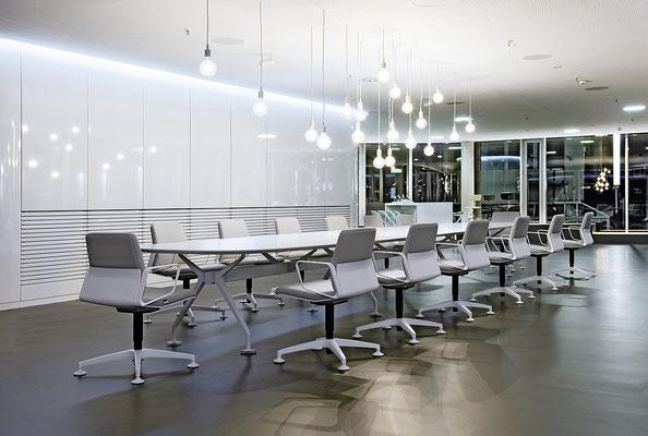 Table de conférence - Interstuhl Silver