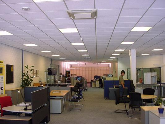 Showroom Bureau Moderne à Luxembourg- Hamm / 2002