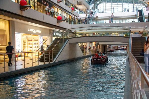 Ein Kanal in einem Teil des Hotels