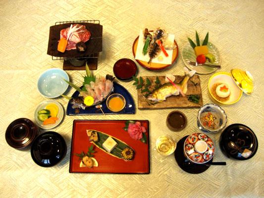 季節川魚会席料理
