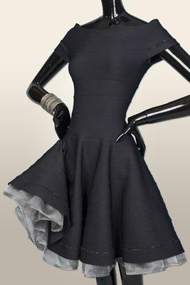 KL 1607 Bändchenkleid mit abnehmbarem rein Seiden Petticoat        XS-L  ab 1290,-