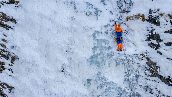 Eiskletterer in der Via Mala