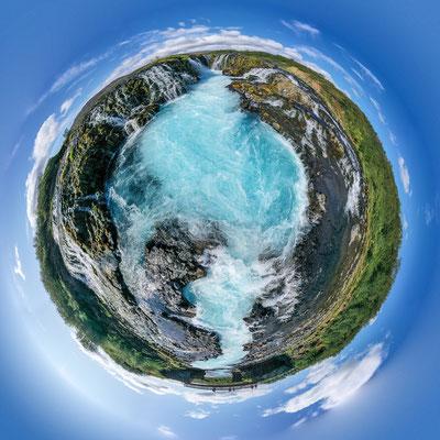 Die kleine Welt des Bruarfoss