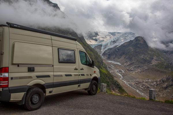 Übernachtungsplatz am Sustenpass mit Steingletscher
