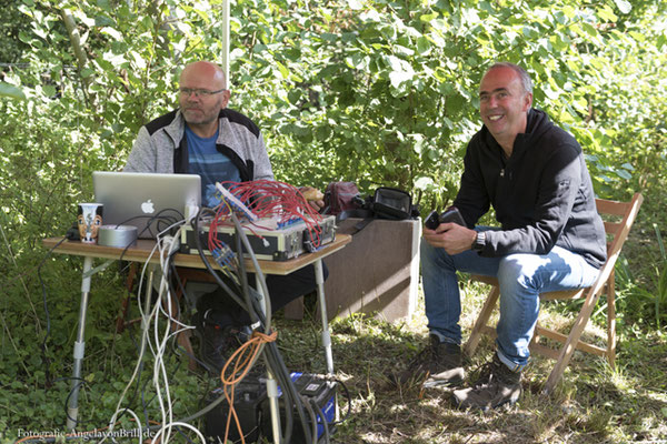 Artist Peter Schräder with the claxophone and his friend Paul